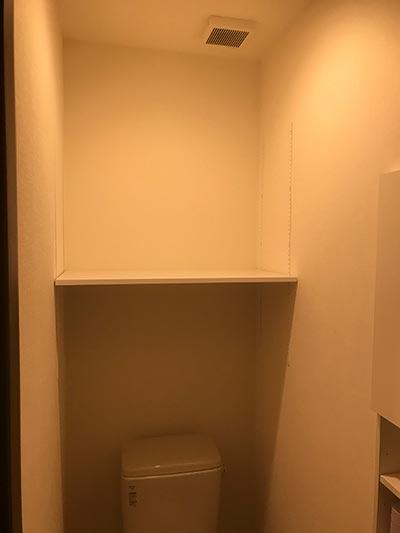トイレのDIY棚1階正面