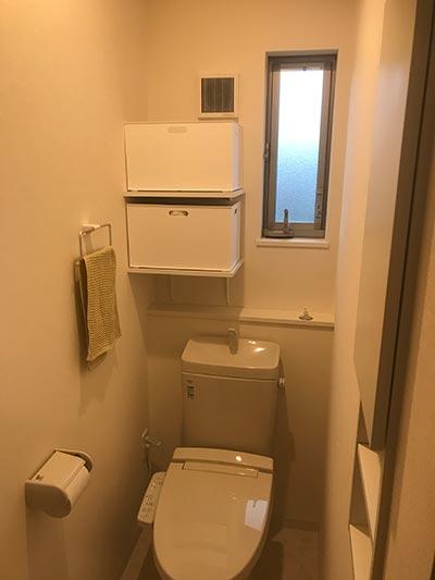トイレ2階DIY固定棚ニトリケース付き